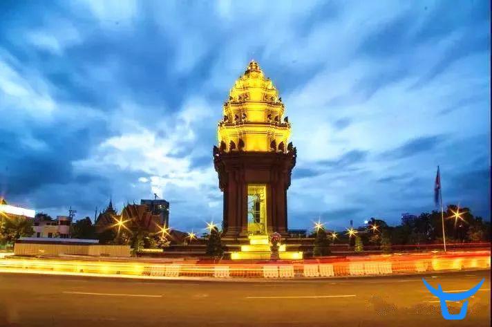 Image result for 民族骄傲独立碑 柬埔寨