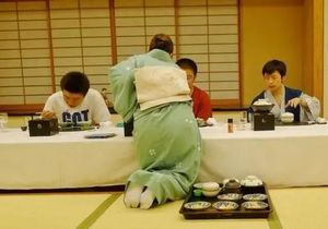 绿卡方案丨如何通过一家料理店拿到日本经营管理签证?