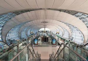 泰国外交部列入境7步骤,国际旅客须遵守-有绿卡