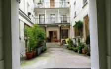 FranceParis-Downtown 2 bedroom