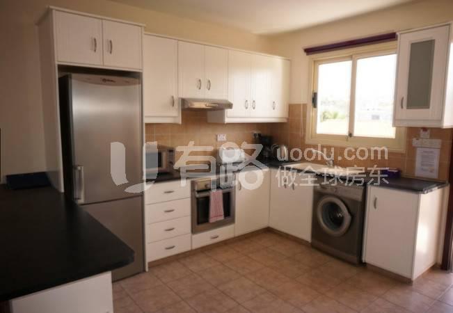 CyprusPaphos-Hardcover two bedroom apartment