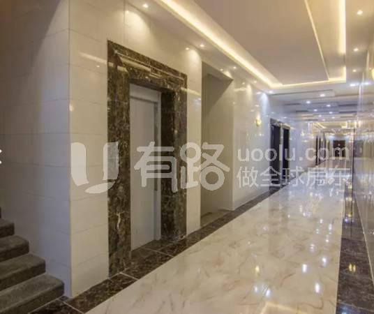 沙特阿拉伯-Luxury medium sized apartment