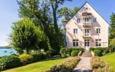 Germany-Lakeside Gold Residence