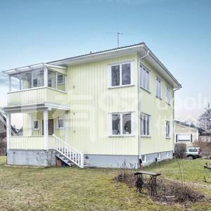 Sweden-3-storey wooden villa