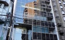 日本大阪-An office building land plus property for sale - in the heart of Osaka's busiest business district