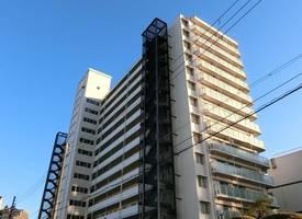 大阪·,乘车20分钟便可以到达大阪商业中心梅田和心斋桥