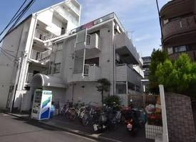 ·Apartment in Shinjuku, Tokyo | Centrally located in two major business centers, great location