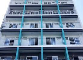 曼达卢永·马尼拉轻轨公寓